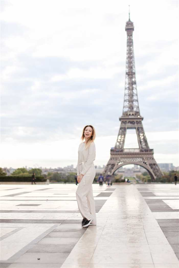 Eiffel-tower-paris-holiday-packages-tours